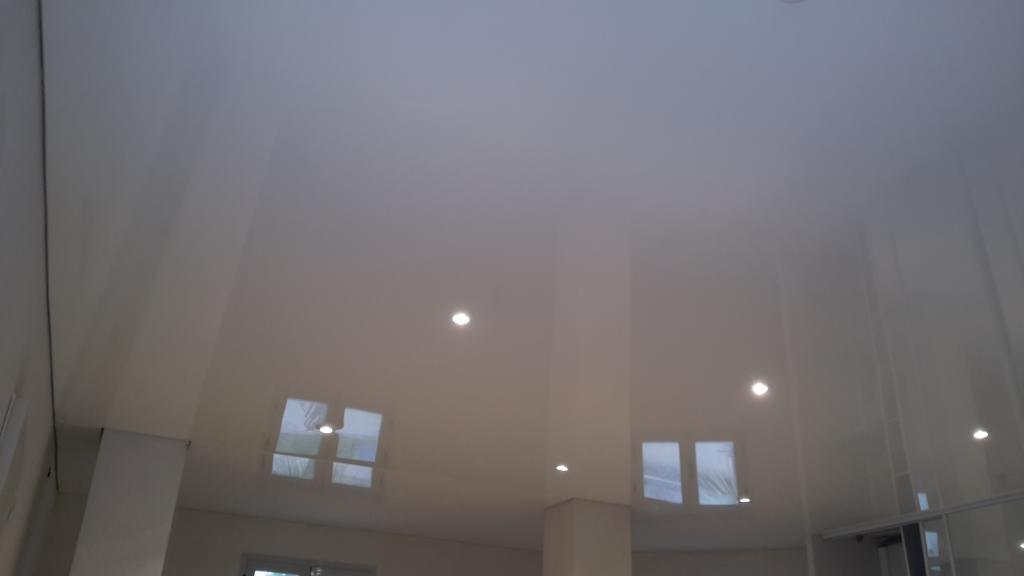 plafond tendu laqu antibes cannes nice. Black Bedroom Furniture Sets. Home Design Ideas